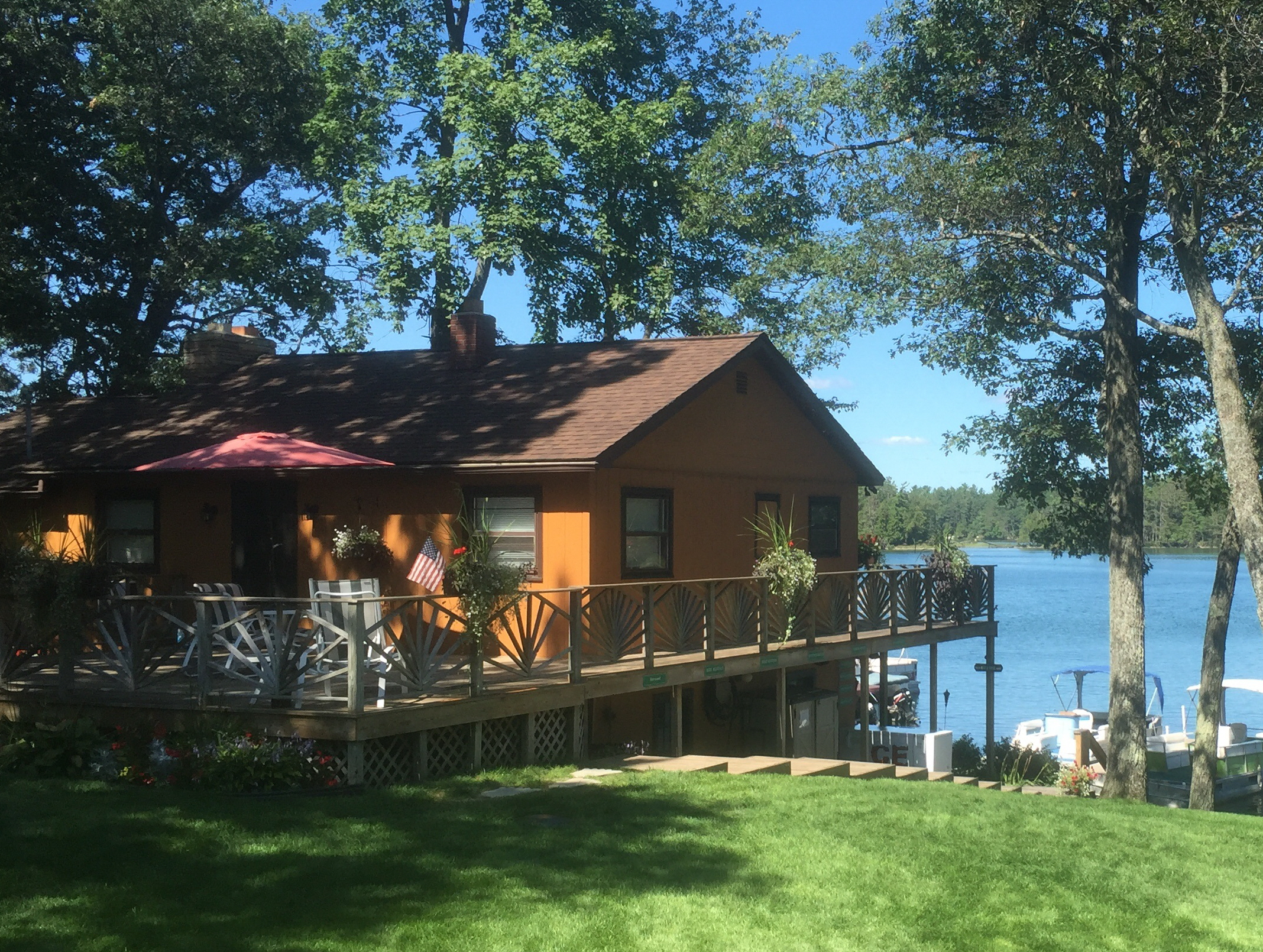 Clear Lake Resort - Cabin One