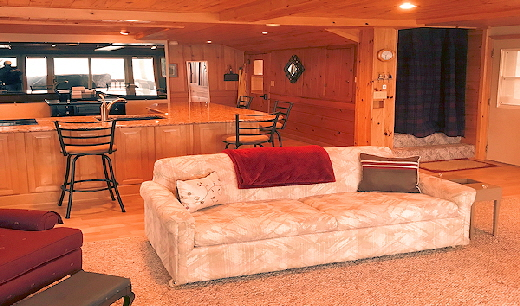 Lake Home Cabin Eleven Living Area with two Sofa Beds