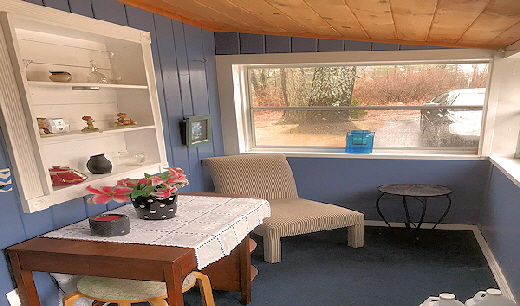 Two Story Lake Front Rental Home Cabin Eleven  Enclosed Porch
